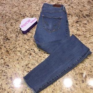 Hollister Ultra High Rise Super Skinny